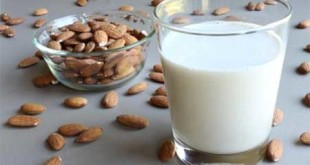 Almond oil and milk cream keeps the skin hydrated