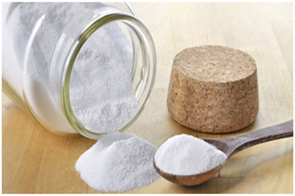Baking soda lightens the texture of the skin and makes dark corners bright