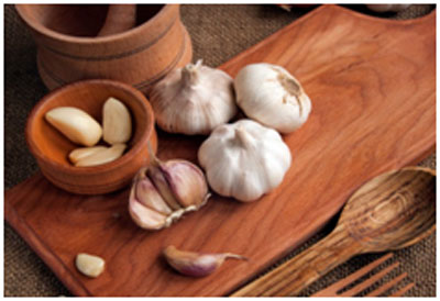 Garlic tea helps in opening the stuffy nose and alleviates the taste as well