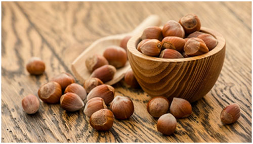 Hazelnuts are rich in vitamin E that keeps brain healthy