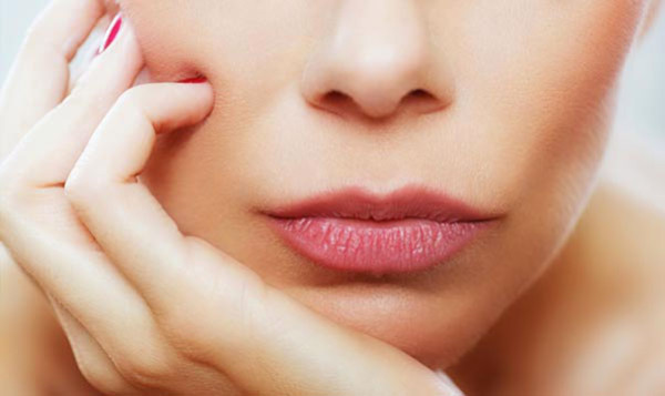 Oils To Get Rid Of Chapped Lips
