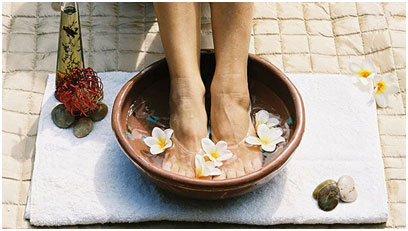 Salt water helps in softening the skin and removes dead skin cells from the feet