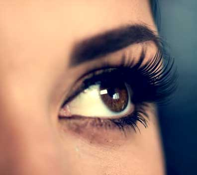Vitamin E for grow eyelashes longer